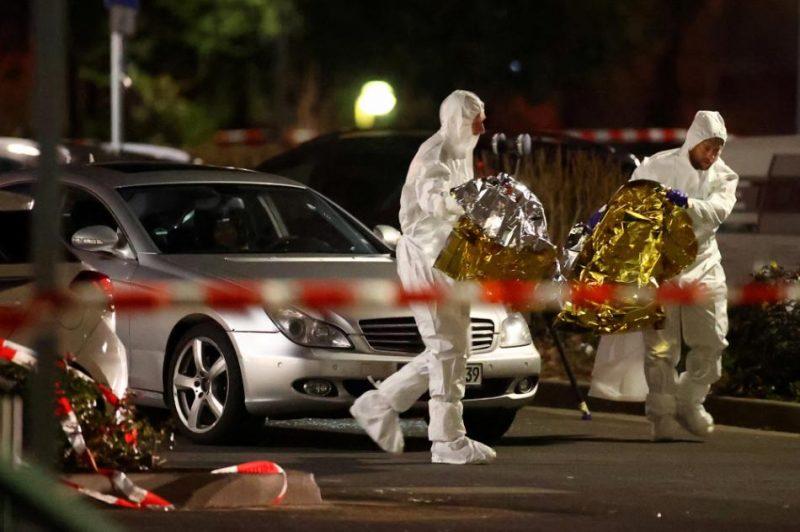 Trešdienas vakarā Hānavā notika divas apšaudes, kurās nogalināti vismaz astoņi cilvēki, bet vēl pieci guvuši nopietnus ievainojumus.