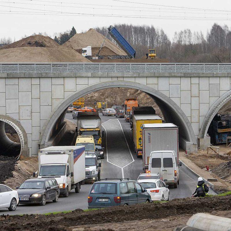 Lietuvā jau pagājušā gada beigās Kauņas dzelzceļa mezglā virzienā uz Poliju izbūvēti pirmie 20 km.