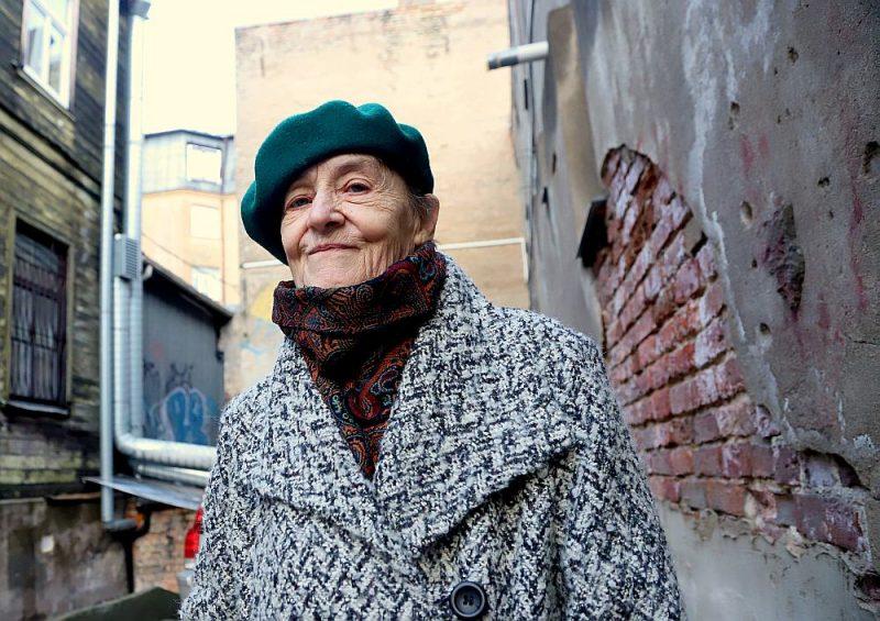 """Maija Einfelde: """"Atskatoties uz savu dzīvi, gribas teikt, ka vispār esmu laimes bērns. Eņģeļi stāvējuši klāt."""""""
