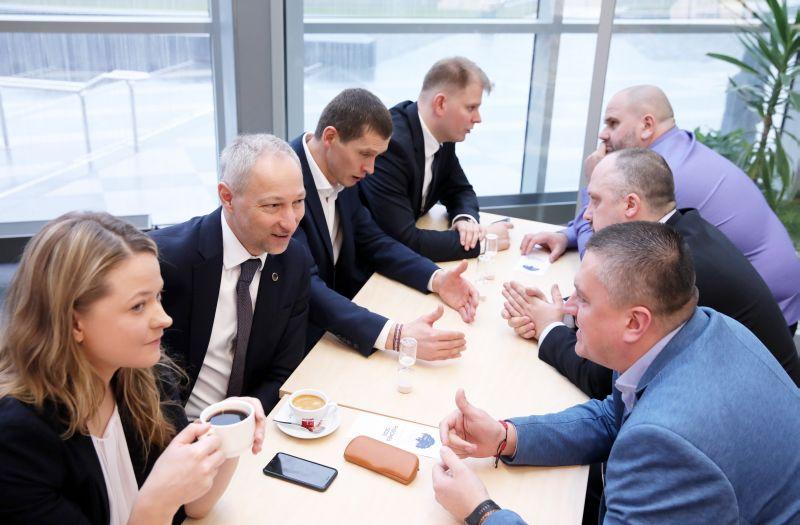 Jaunās konservatīvās partijas padomes sēde Latvijas Nacionālajā bibliotēkā.