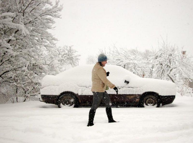 Sniega segas biezums Alūksnē pieaudzis no viena līdz 11 centimetriem, pēdējās stundas laikā uzsniguši jau seši centimetr