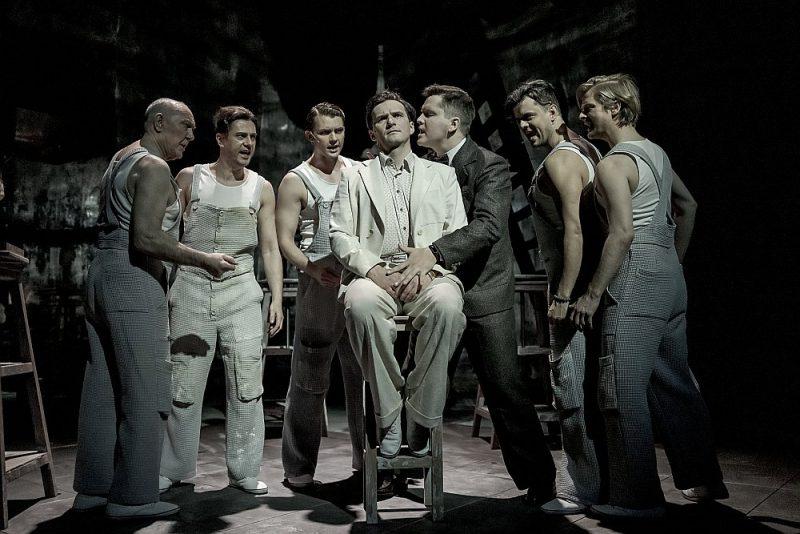 Toms Riplijs ir jauna veida loma Ginta Grāveļa (ceturtais no kreisās) līdzšinējā karjerā.