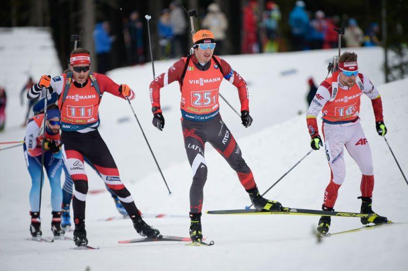 Andrejs Rastorgujevs (centrā) arī šosezon ir Latvijas biatlona līderis.