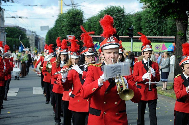 Viens no mūzikas izglītības mērķiem ir audzināt ieinteresētus Dziesmu svētku procesa dalībniekus.
