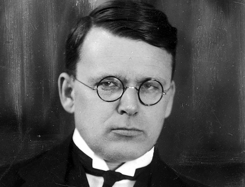 Fēlikss Cielēns (1888 – 1964) – viens no Latvijas Satversmes veidotājiem, Latvijas parlamentārajā periodā pazīstams arī kā impulsīvs, dedzīgs orators.