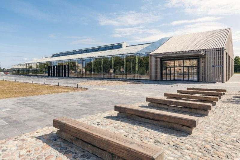 GRAND PRIX Jaunā kultūrtelpa Hanzas perons. Pasūtītājs Pillar Development, projekts Reinis Liepiņš un Sudraba Arhitektūra, būvnieks Pillar Contractor, būvuzraudzība Būvuzraugi LV.