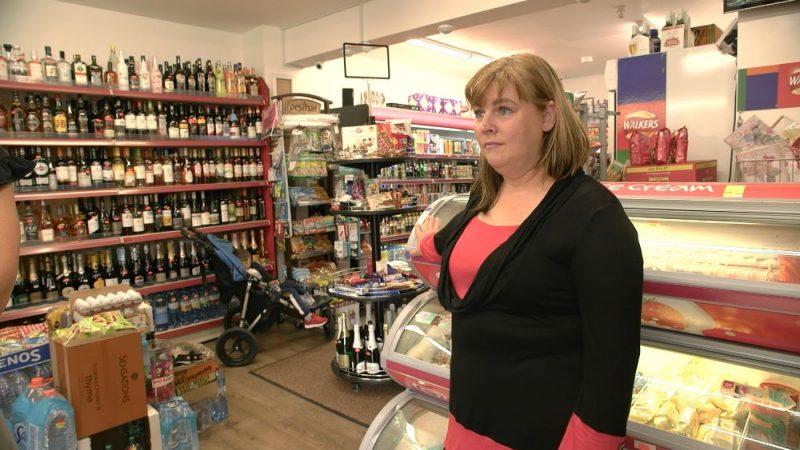 Svetlanas Kalniņas (foto) ģimenei pieder divi nelieli pārtikas veikaliņi Pīterboro.