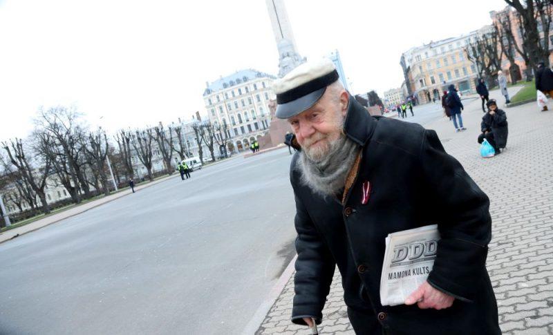 16. marta pasākums pie Brīvības pieminekļa Covid-19 ierobežojumu zīmē