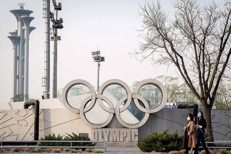 Tokijas olimpiskās spēles varētu sākties tieši gadu vēlāk nekā sākotnēji paredzēts.