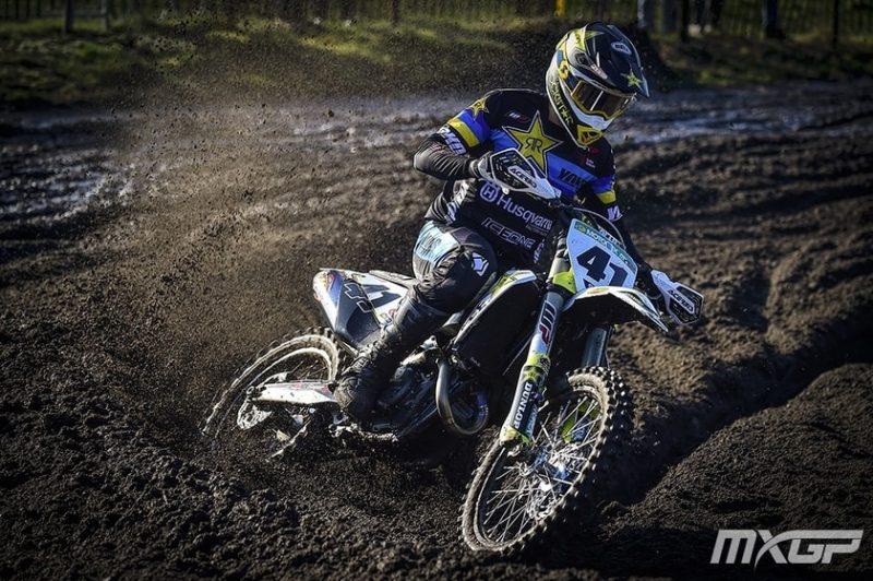 Latvijas labākais motokrosists Pauls Jonass trasē.