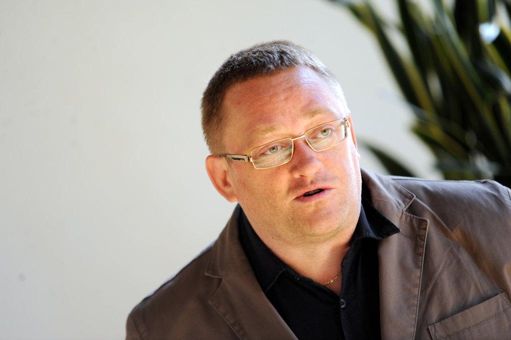 Podkāstu vadīs Latvijas Nacionālā simfoniskā orķestra galvenais redaktors Orests Silabriedis.