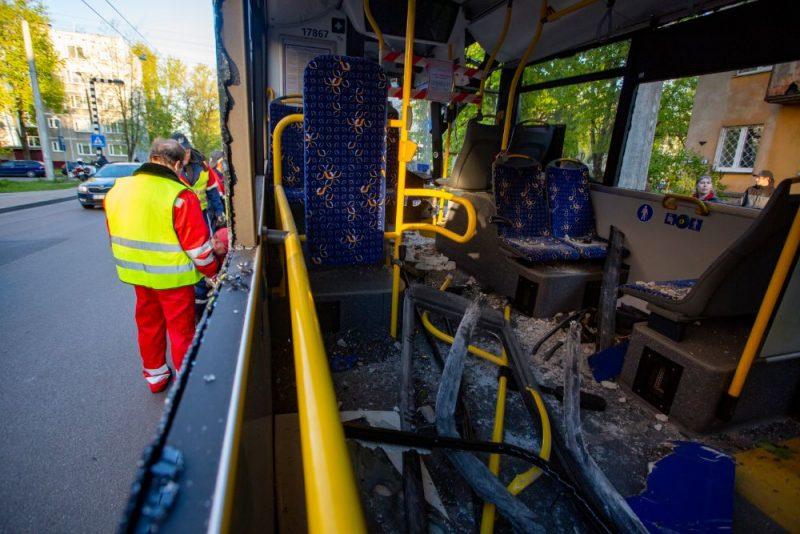 Trolejbusa un vieglās automašīnas avārija Prūšu un Bultu ielas krustojumā