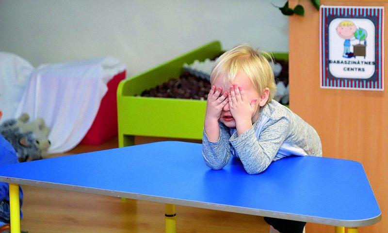 Likumprojektā paredzēts, ka prasīt latviešu grupu atvēršanu jebkurā pašvaldības bērnudārzā vecāki varēs jau no nākamā gada 1. septembra.