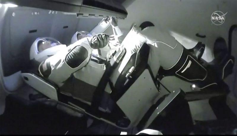 SpaceX veiksmīgi turpina misiju