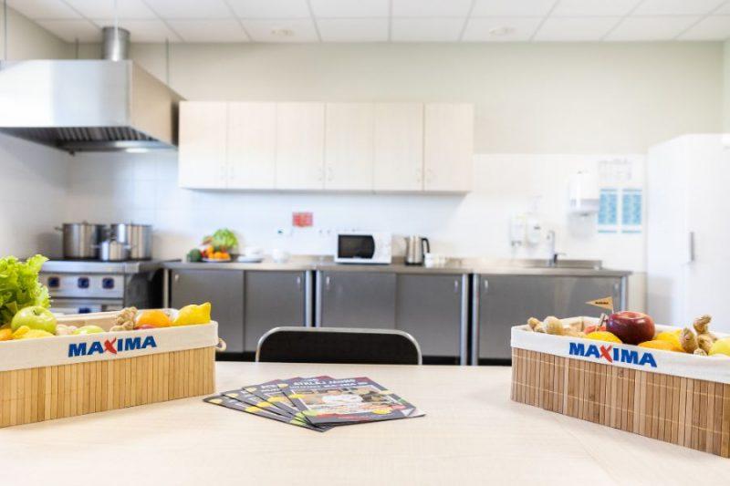 "Lielveikala ""Maxima"" virtuves telpa."