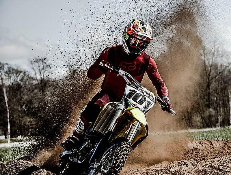 Kaspars Stupelis treniņu procesā šopavasar daudz brauc ar solo motociklu.