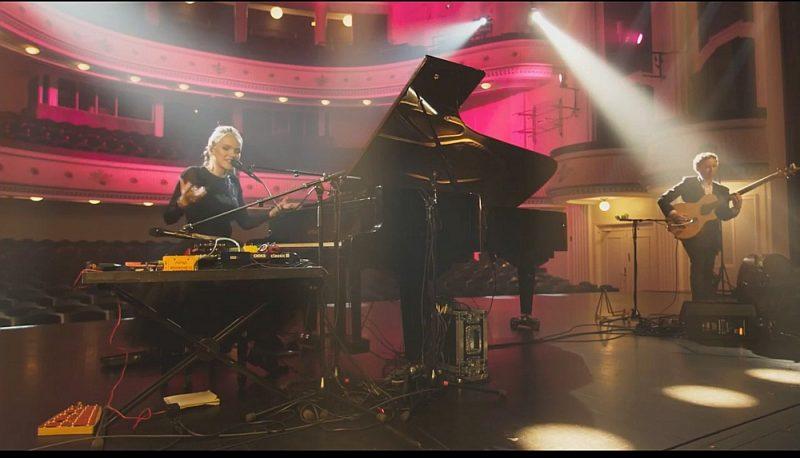Kadri Voranda kopā ar basģitāristu Mikhelu Malgandu uzstājas Tallinas Mūzikas nedēļas festivālā.