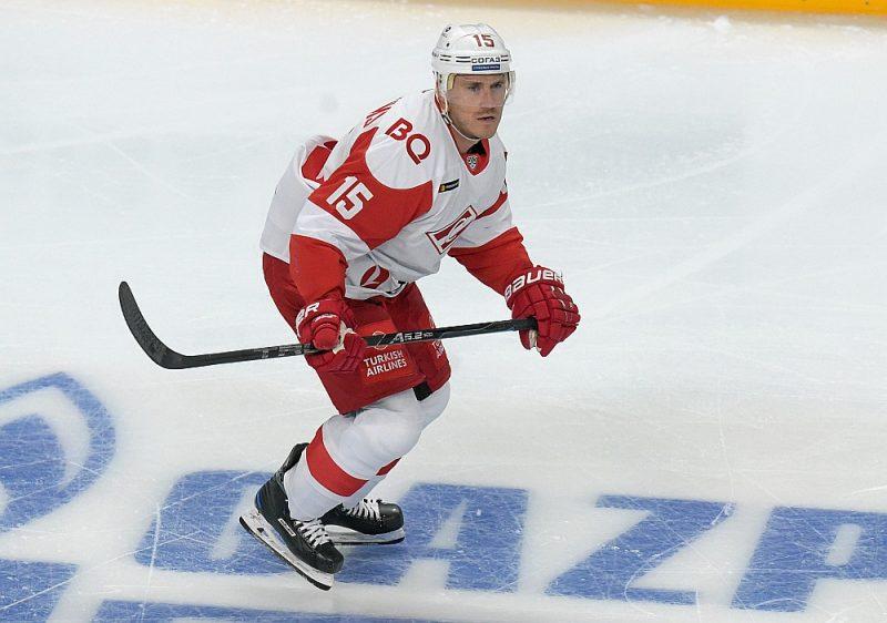 """Mārtiņš Karsums septiņas sezonas pārstāvējis Maskavas klubus, bet tagad mēģina vienoties ar Rīgas """"Dinamo"""", lai atkal spēlētu mājās."""