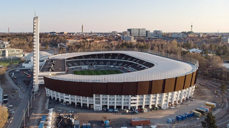 """Par spīti pieķeršanai daudzos būvniecības pārkāpumos, """"Skanska"""" darbi Helsinku Olimpiskā stadiona atjaunošanā tuvojas noslēgumam."""