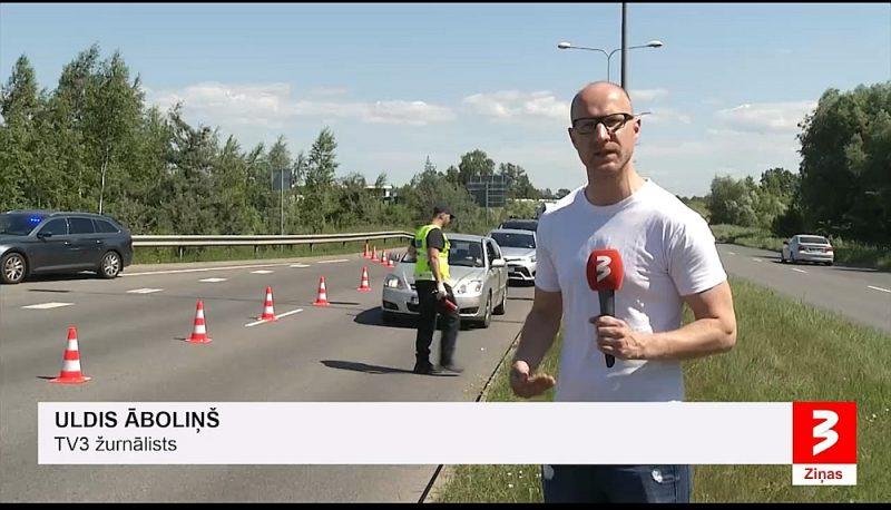 TV3 Ziņas ir pilnas enerģijas, žurnālisti cenšas sevi parādīt katra notikuma centrā.