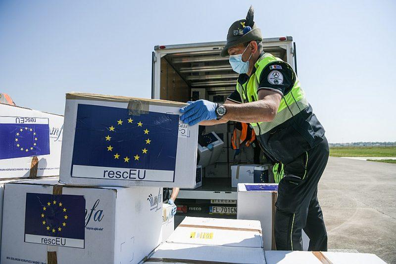 ES institūcijās arvien skaļāk sāk runāt par nepieciešamību panākt lielāku neatkarību no medicīnisko preču piegādēm.