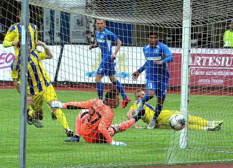 """""""RFS"""" uzbrucējs Emersons gūst pirmos vārtus šīs sezonas Latvijas futbola čempionātā."""