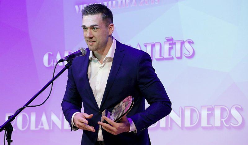 Rolands Štrobinders pērn saņēma 2019. gada Latvijas labākā vieglatlēta balvu.