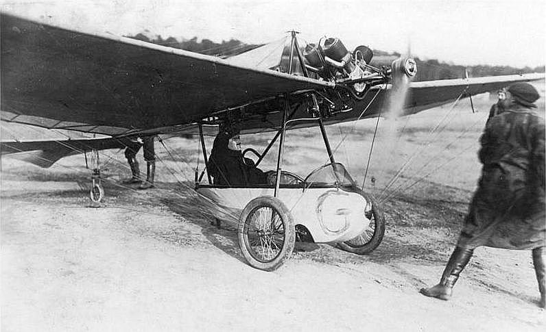 H. Grades sistēmas aeroplāns, kāds lidoja arī Rīgā.