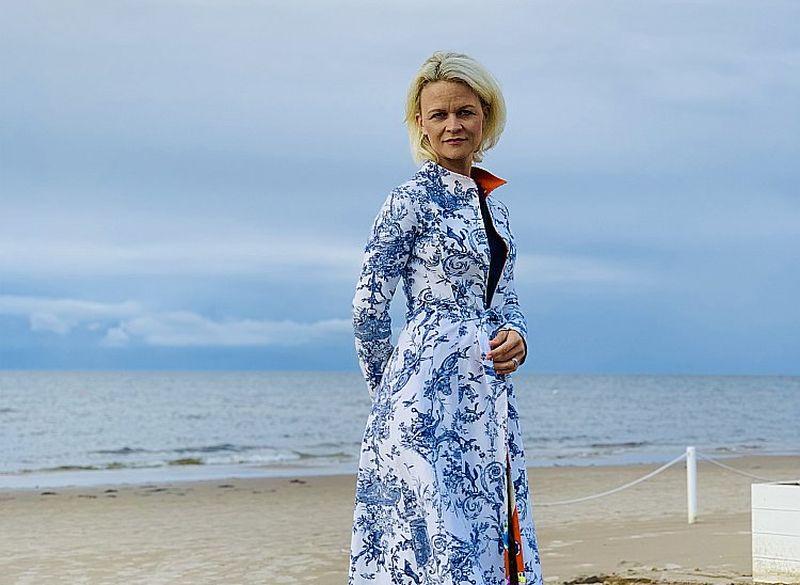 """Iveta Apkalna: """"Mana personiskā dzimtenes sajūta visvairāk saistās ar Jūrmalas pludmales liedaga zīdainajām smiltīm."""""""