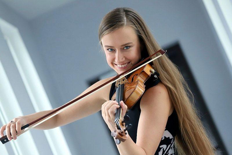 """Kristīne Balanas: """"No Latvijas aizbraucu septiņpadsmit gadu vecumā, un tas mani norūdīja gan kā mūziķi, gan kā cilvēku."""""""