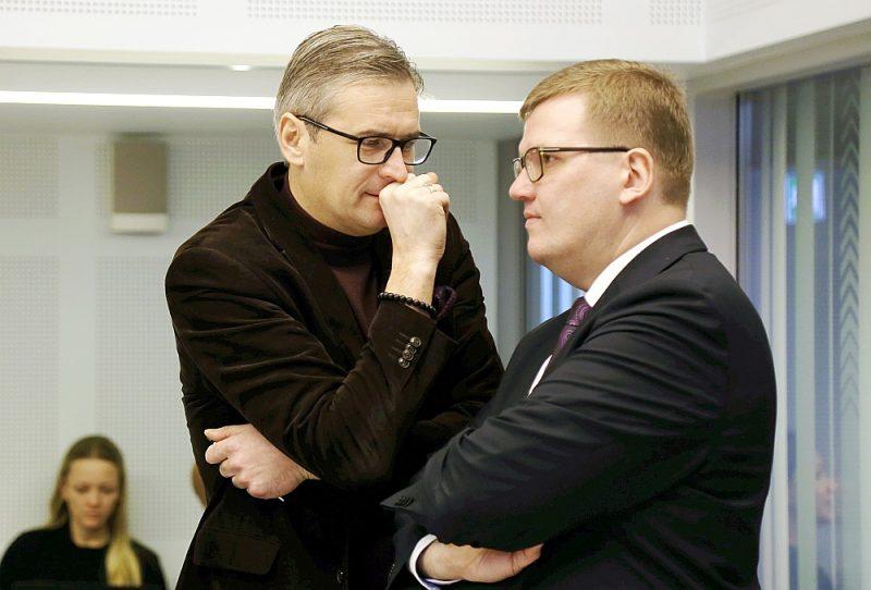 Ir iespaids, ka Juris Pūce (no labās) izmanto Mārtiņa Bondara agrākos kontaktus no Latvijas Reģionu apvienības laikiem jaunu biedru piesaistīšanā.