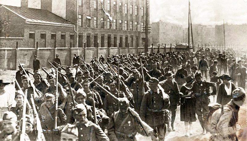 Kājnieku nodaļa dodas uz fronti, Varšava, 1920. g. augusts.