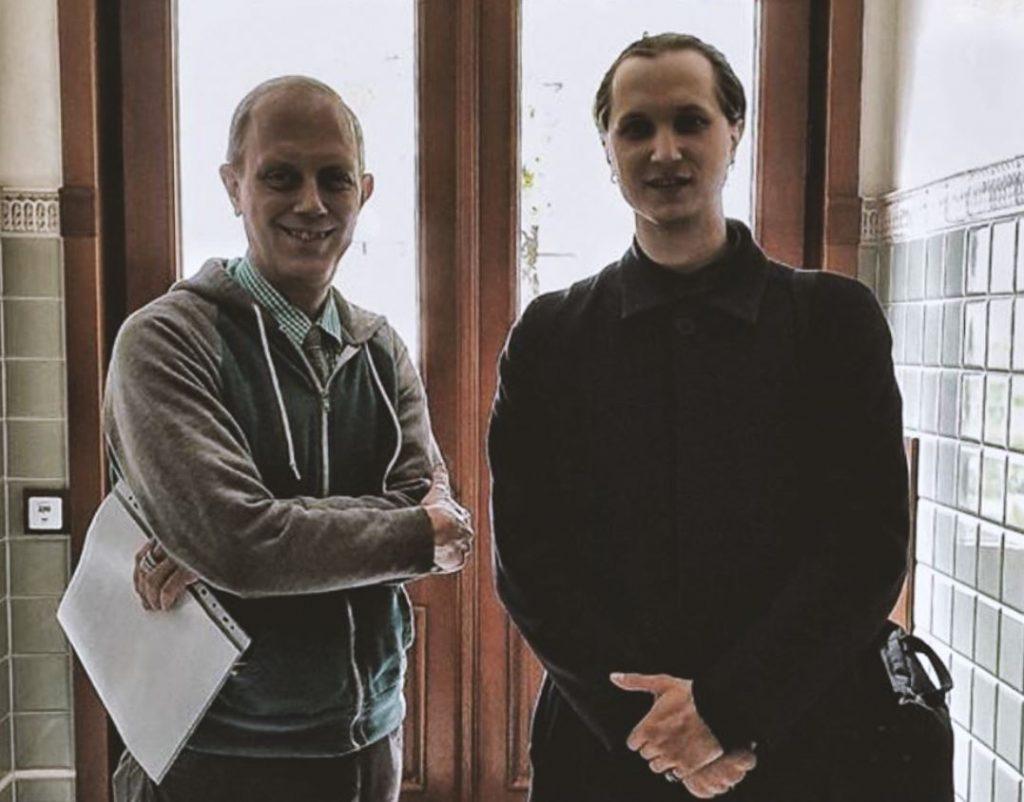 Aktieris Niklāvs Kurpnieks (no labās) un Kārlis Streips.