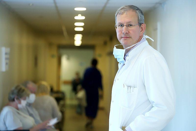 """Jānis Eglītis: """"Īstenojot jauno administratīvi teritoriālo reformu, būtu ļoti nepieciešams, lai novadu centros būtu veselības kabinets, kur pastiprinātu uzmanību pievērstu ne tikai onkoloģiskajām saslimšanām, bet arī sirds un asinsvadu slimībām, endokrīnajām kaitēm."""""""