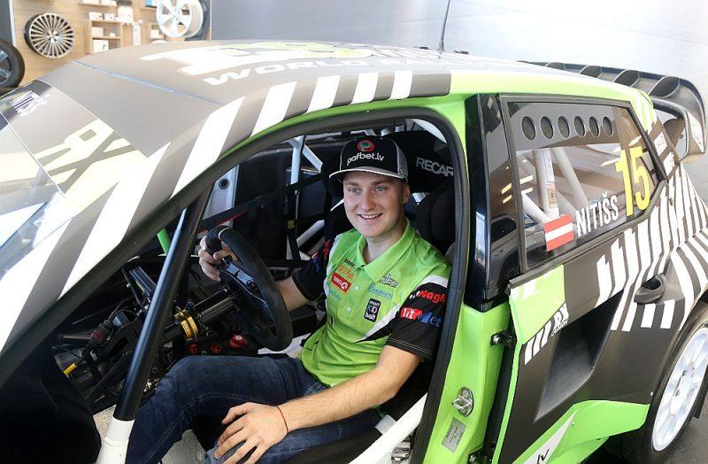 """Reinis Nitišs pasaules rallijkrosa čempionāta divos posmos Biķerniekos startēs ar Lietuvas komandas """"ES Motorsport"""" sagatavoto """"Škoda Fabia Evo RX"""" mašīnu."""