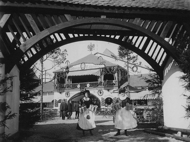 """""""Oktoberfest"""" aina 20. gs. sākumā."""