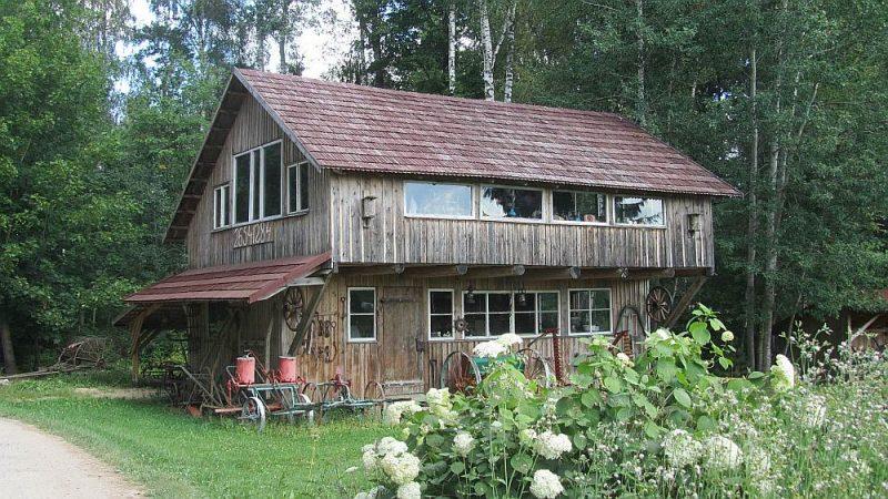 Senlietām uzbūvēta atsevišķa ēka, lai tās nav jāglabā bēniņos.