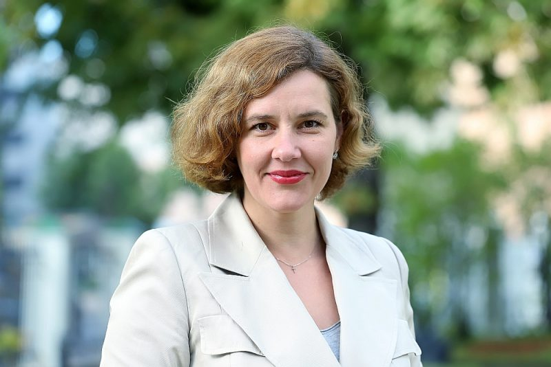 """Dana Reizniece-Ozola: """"Ārkārtas vēlēšanas Rīgā rāda, ka sabiedrība mainās. Pieaug pieprasījums pēc liberāli domājošiem un kreisiem spēkiem. Viņi var iegūt lielāku atbalstu arī nākamajā Saeimā. Pretim jābūt spēcīgam konservatīvajam spārnam."""""""
