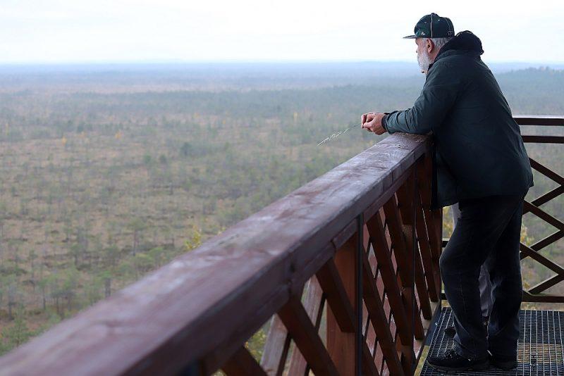DAP Latgales reģionālās administrācijas pārstāvis Guntis Akmentiņš rūpējas, lai tiktu ievēroti dabas aizsardzības noteikumi Teiču purvā.
