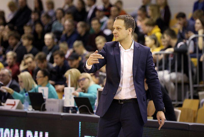 """Jāņa Gailīša trenētā """"VEF Rīga"""" ir vienīgā Latvijas vīriešu basketbola komanda, kas šosezon piedalās Eirokausos."""