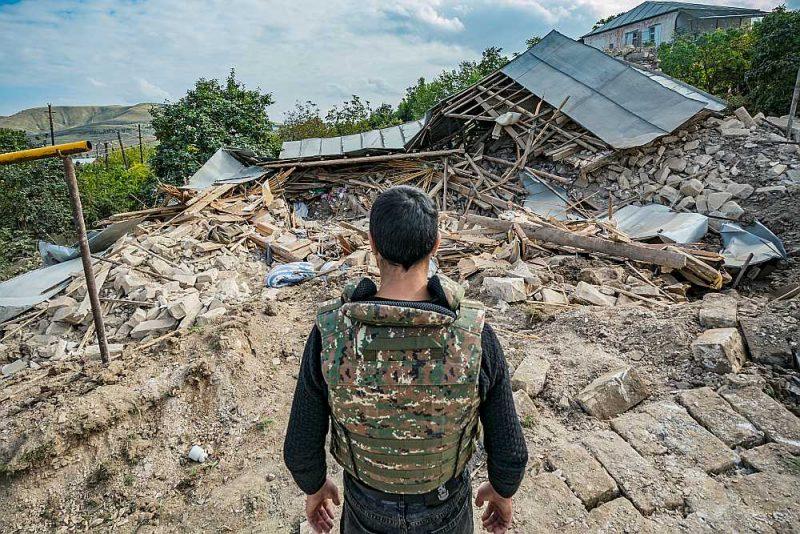 Azerbaidžānas raķetes nodarītie  postījumi Martuni ciemā Karabahā.