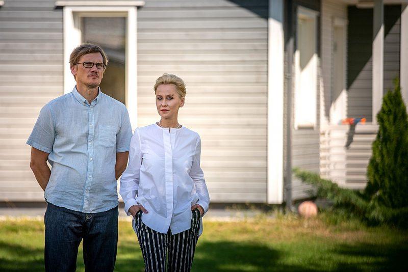 """Aktieri Rēzija Kalniņa un Gatis Gāga LTV seriālā """"Projekts: šķiršanās""""."""