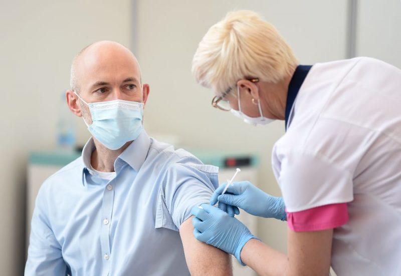 Valsts augstāko amatpersonu vakcinācija pret Covid-19