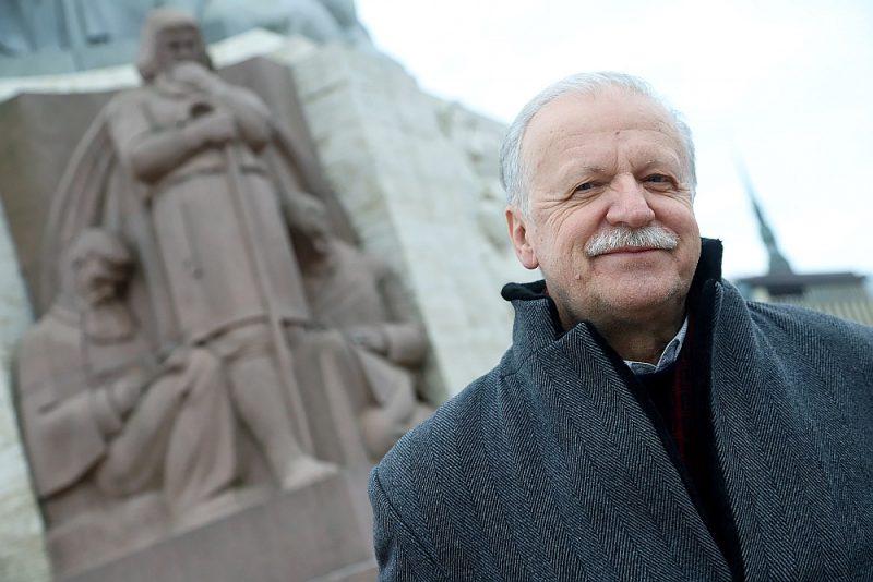 """Guntis Gailītis: """"Brīvības pieminekli restaurēja jau 2000. gadā, arī ar Brāļu kapiem lietas virzās uz priekšu."""""""