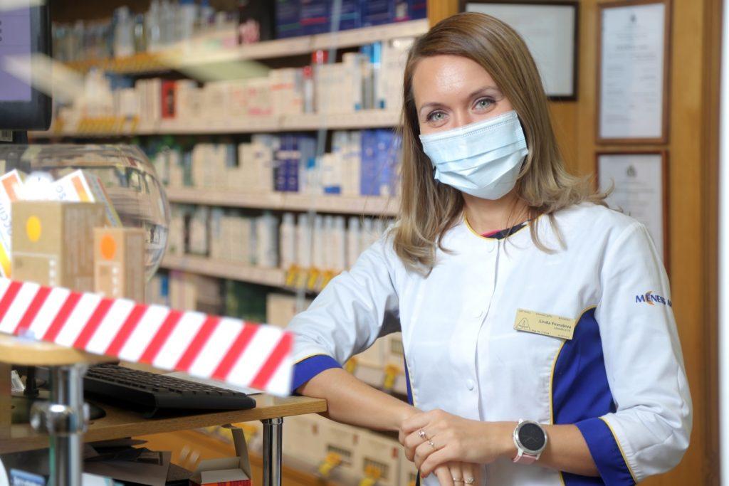 """Mēness aptiekas"" farmaceite Linda Fevraļeva."