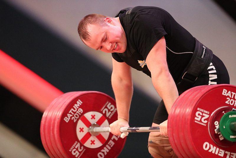 Artūrs Plēsnieks ir divkārtējs Eiropas čempionāta medaļnieks – 2016. gada čempions un 2013. gada bronzas godalgas ieguvējs. Uz medaļu viņš pretendēs arī sestdien Maskavā.